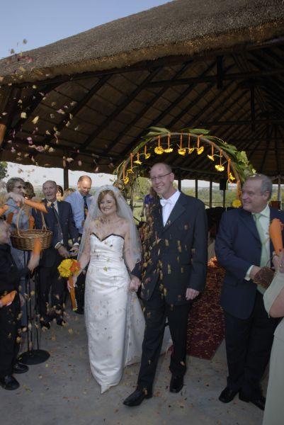just married vista chapel valverde