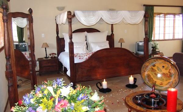 mahogany suite valverde